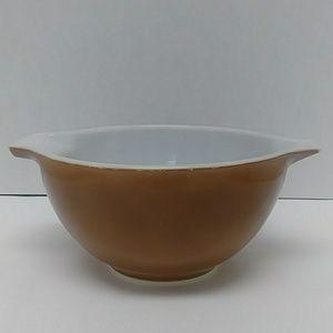 Vintage brown handled Pyrex mixing bowl